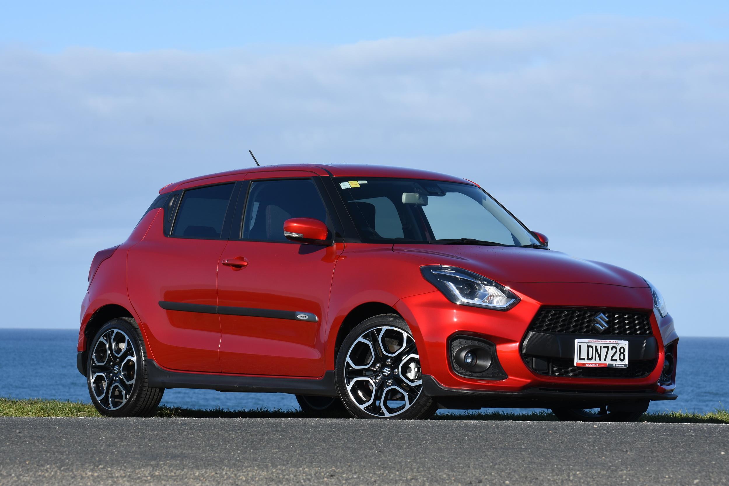 TWIST & SHOUT - The latest Suzuki Swift Sport